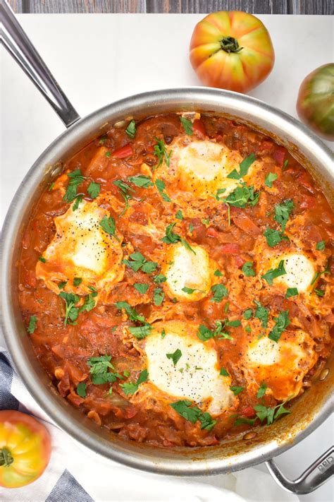 Shakshuka Recipe – Spicy Tomatoes and Eggs Breakfast from